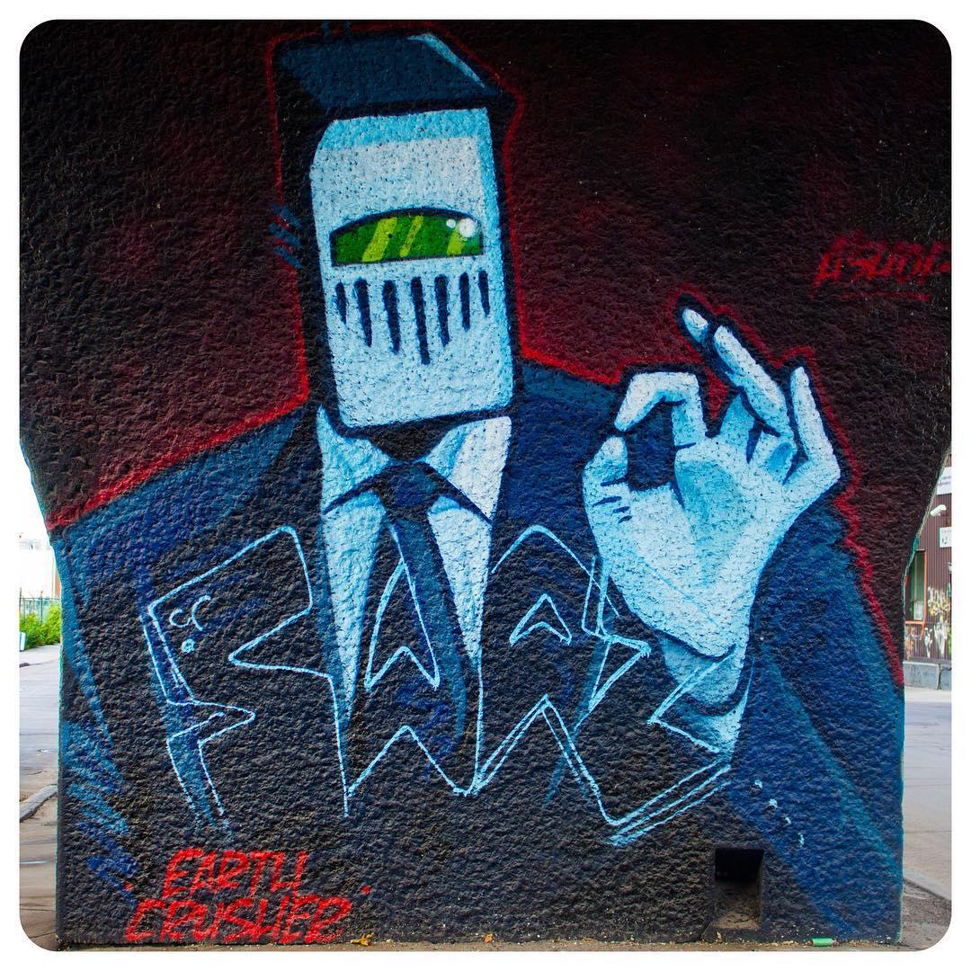 """""""Earth Crusher"""" graffiti/mural in Montréal"""