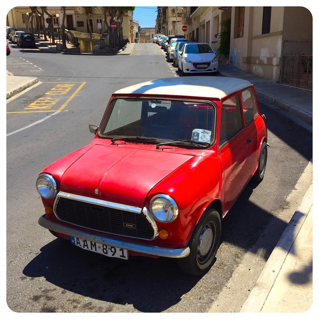 Vintage Morris Mini-Minor in Birgu, Malta