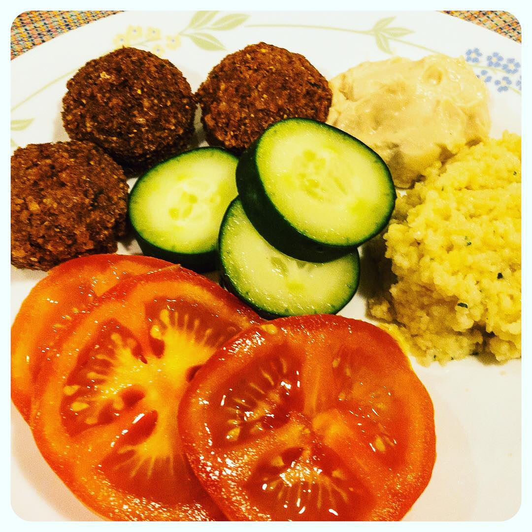 Meatless Meal #BHLent2018 Falafel, hummus, tomato, cucumber, couscous